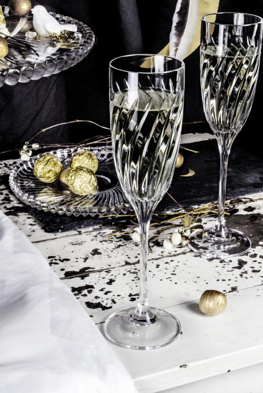 Kieliszki do szampana z kolekcji LINEA